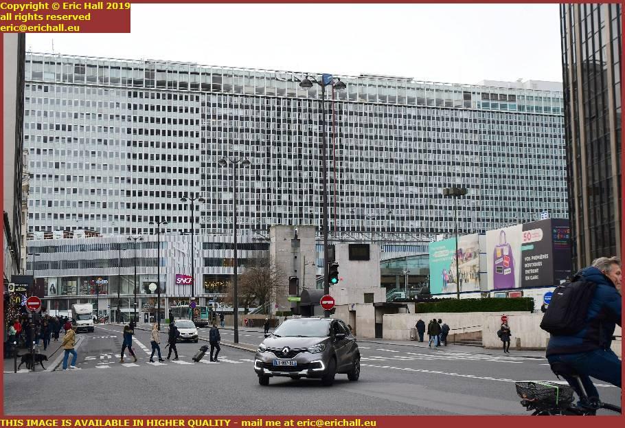 gare montparnasse boulevard de vaugirard paris france